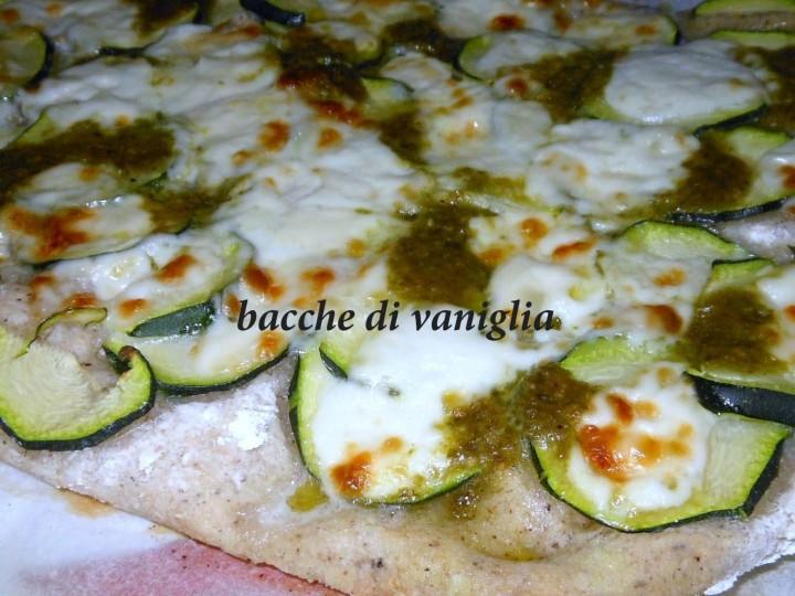 focaccia con zucchine, crescenza e pesto senza glutine