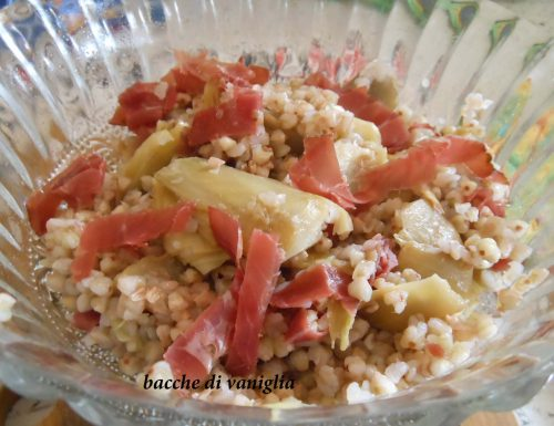 Insalata tiepida di grano saraceno, carciofi e bresaola